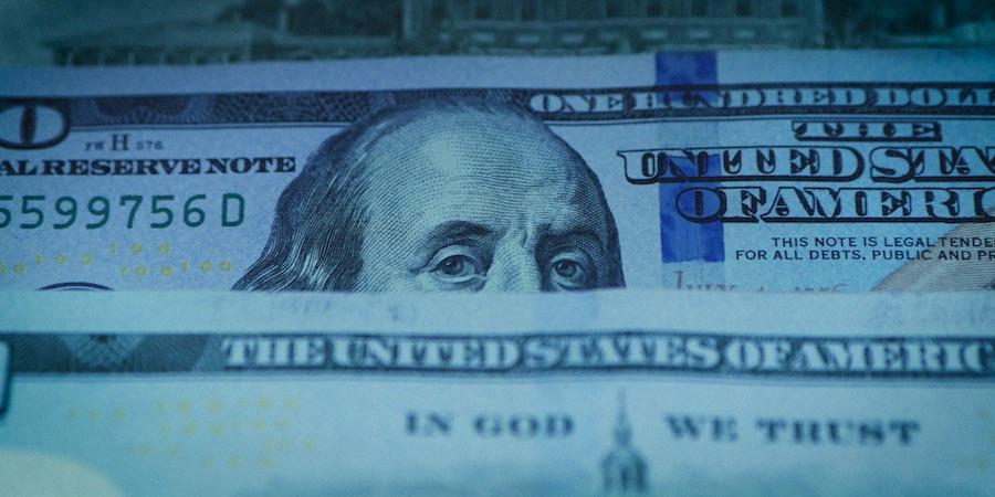 Доллары. Как просить повышение зарплаты