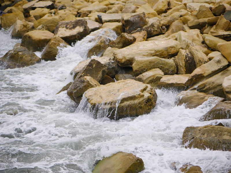 Камни, вода, берег